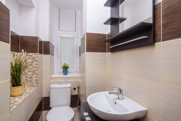 Bathroom with toilet (EULIVIA Apartments)